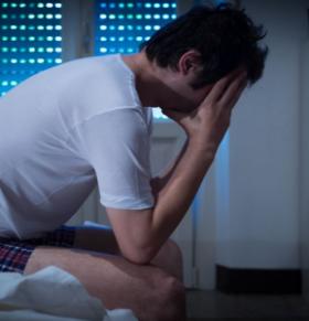 成年人睡多久比较合适 睡眠差怎么改善 睡不好容易得什么病