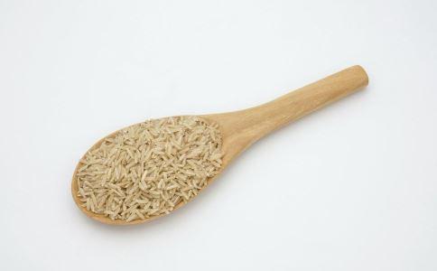 吃糯米有什么好处 吃糯米的好处有哪些 哪些人不能吃糯米
