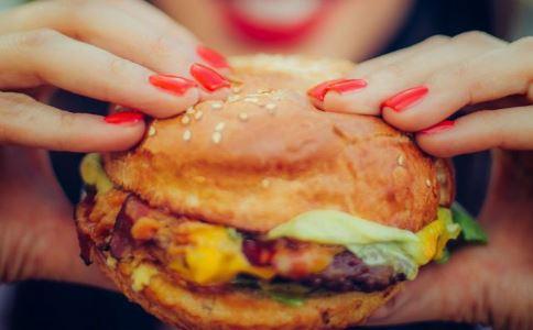 压力大吃垃圾食品更容易变胖 压力大吃什么好 压力大怎么控制食欲