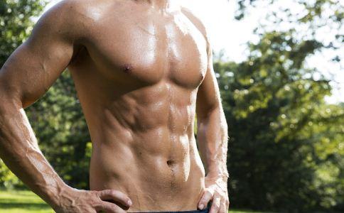 男人夏天如何练出腹肌 锻炼腹肌的方法有哪些 如何练出腹肌