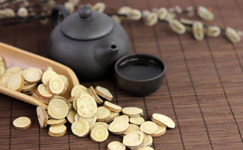 黄芪的功效与作用 黄芪的好处有哪些 黄芪红枣枸杞茶做法
