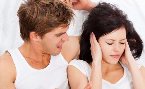吵架后手指成鸡爪 不良情绪对身体有哪些影响 生气有哪些危害