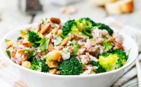 饮食减肥选择午餐 减肥午餐菜谱做法 减肥吃什么午餐好