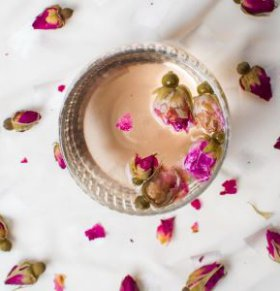玫瑰花泡水喝有什么好处 玫瑰花泡水喝功效有哪些 玫瑰花泡水喝要注意什么