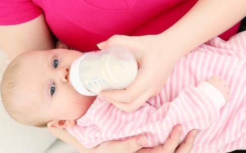 宝宝吃奶粉上火是什么原因 宝宝吃奶粉上火怎么办 宝宝吃奶粉上火的解决方法