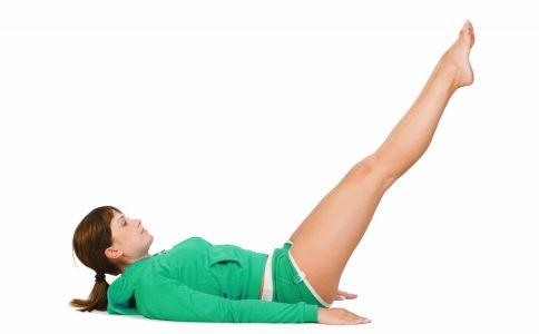 睡前1个动作暴瘦肚子 睡前瘦肚子的动作 睡前瘦小腹的动作