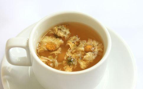 哪些花茶适合女人喝 适合女人的药茶有哪些 女人喝花茶有什么好处