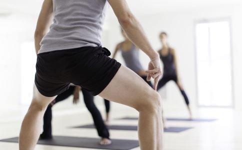 如何减肥瘦腿 瘦腿的动作有哪些 怎么做能瘦腿