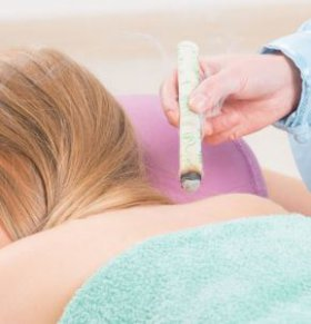 艾灸好吗 艾灸有什么好处 女性艾灸的好处有哪些