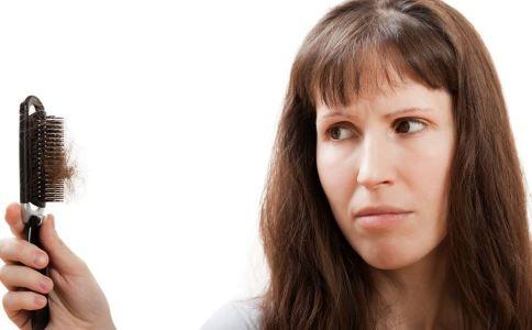 产后脱发怎么办 预防产后脱发的方法 产后脱发的原因