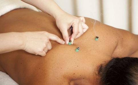 冬季艾灸有什么功效 冬季艾灸的效用 艾灸对身体有什么好处