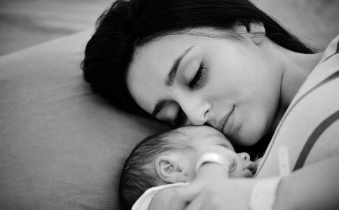 39岁高圆圆高龄产女 高龄孕妇怀孕的注意事项 高龄产妇生孩子风险