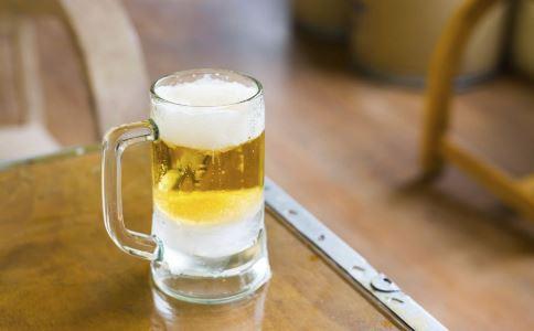 喝酒要注意什么 喝酒有哪些要注意的 喝酒不能配什么
