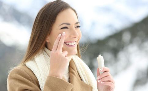 SPF和PA的区别是什么 防晒霜的原理是什么 如何进行防晒