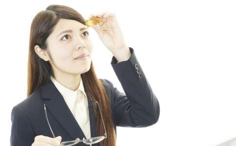 网红眼药水被禁售 如何缓解眼睛疲劳 滴眼药水好吗