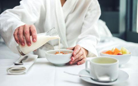 早饭不吃能减肥吗 不吃早餐有什么危害 如何吃健康的早餐