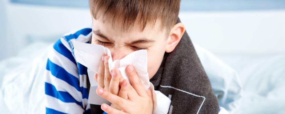 小儿咳嗽老不好是怎么回事 小儿变异性哮喘有哪些症状表现 小儿变异性哮喘怎么办