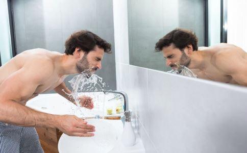 睡觉流口水是什么原因 睡觉流口水怎么办 睡觉流口水怎么解决