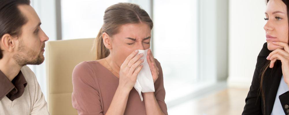 经期感冒能吃药吗 经期感冒怎么办 经期感冒怎么调理