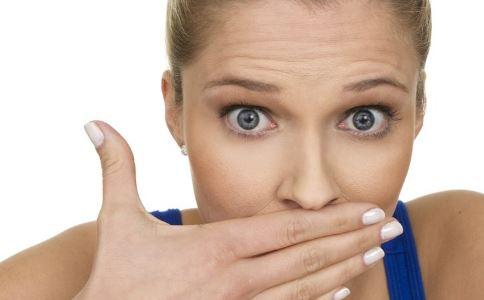 早起嘴巴苦是什么原因 早起嘴巴苦的原因有哪些 早起嘴巴苦怎么办