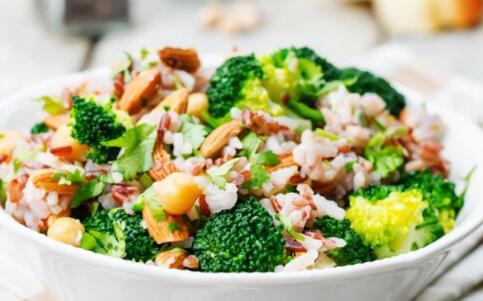 吃素造成身體崩潰 長期吃素食危害大