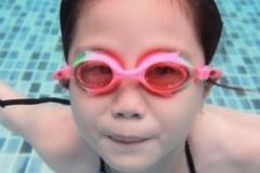 夏天带孩子游泳需要注意什么