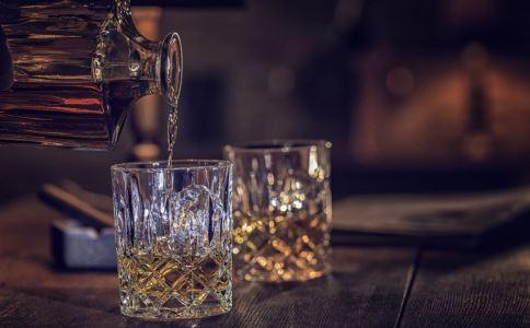 日常生活中如何快速解酒 日常生活中解酒的方法有哪些 在日常生活中怎样解酒