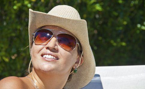 夏天防晒需要哪些装备 夏天如何防晒 夏天美白方法