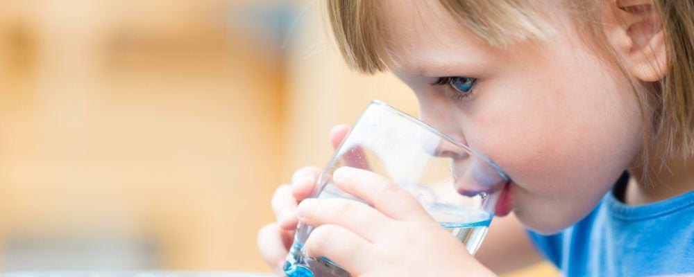 小儿秋季哮喘的病因 小儿秋季哮喘预防方法 小儿秋季哮喘食疗方