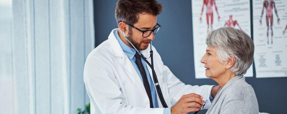 哮喘与心力衰竭有什么关系 老人心力衰竭如何调理 老人心力衰竭如何饮食