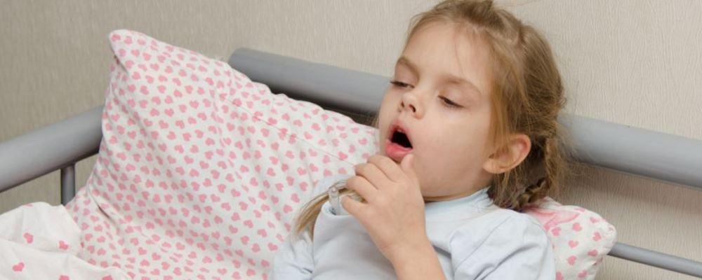 小孩哮喘发作如何应对 如何对付小孩哮喘 小孩哮喘发作怎么办