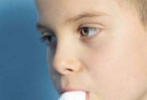 哪些是支气管扩张的症状表现