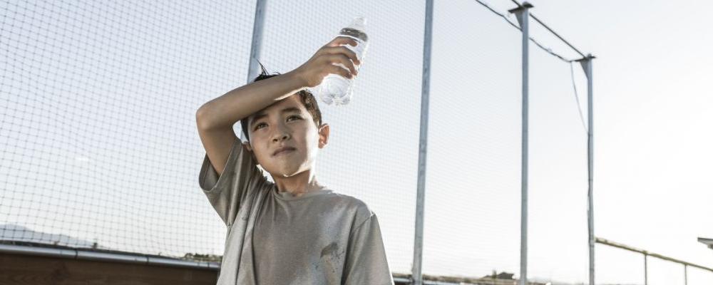 夏天流汗是排毒吗 排毒要吃什么食物比较好 如何排毒比较有效