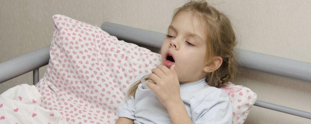 处理宝宝发烧的错误方法 宝宝发烧时家长的错误行为 宝宝发烧护理有哪些误区
