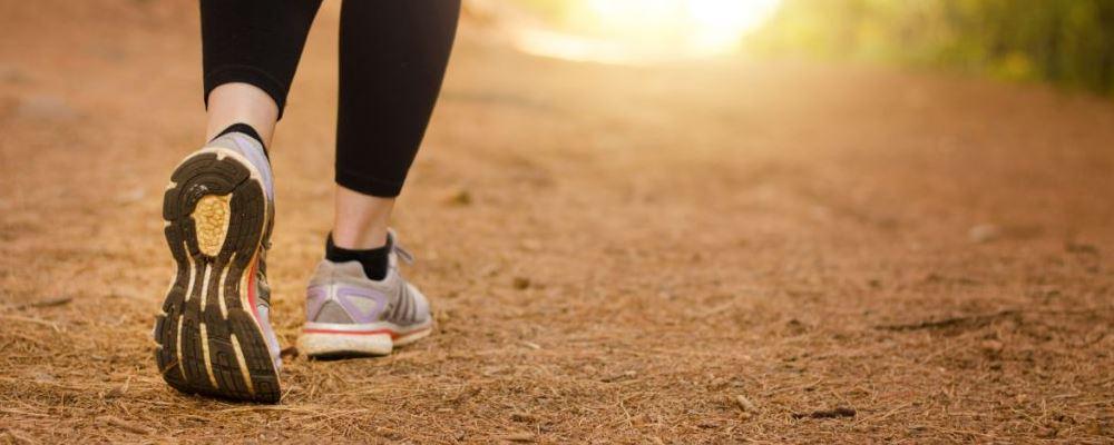 又矮又胖的女性如何减肥 走路减肥有哪些小窍门 怎么走路减肥效果好
