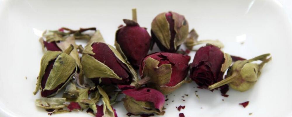 月季花茶的功效与作用 月季花茶有什么好处 月季花泡水喝的作用