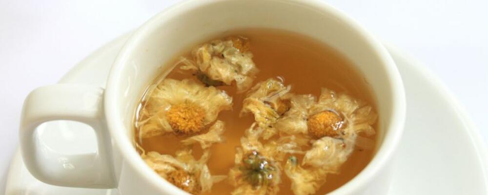 菊花茶的功效与作用 菊花泡水喝有什么好处 菊花茶有什么效果
