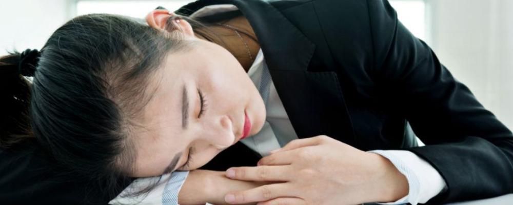 睡午觉的好处 经常睡午觉有什么好处 睡午觉有哪些好处
