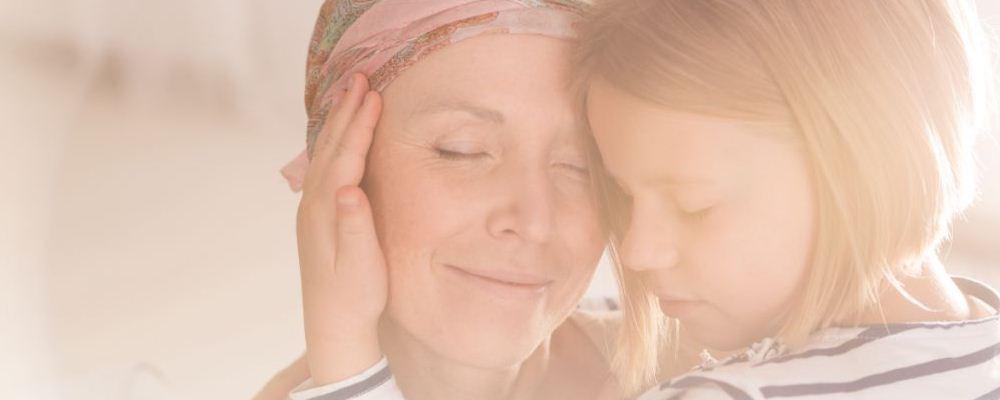 手上长老年斑是什么原因 手上长老年斑怎么办 怎样预防老年斑