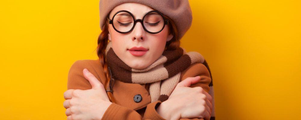 女性月经有几种类型 月经血液循环不良怎么回事 经期怕冷是怎么回事