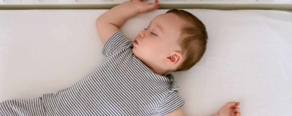 新生儿黄疸如何治疗 新生儿黄疸怎么治疗好 新生儿黄疸有什么治疗方法
