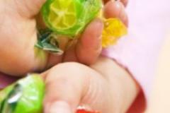 三岁以下婴幼儿食品禁加糖 吃糖不如吃水果