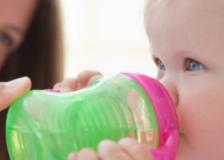 宝宝奶瓶怎么选 该如何清洗比较干净