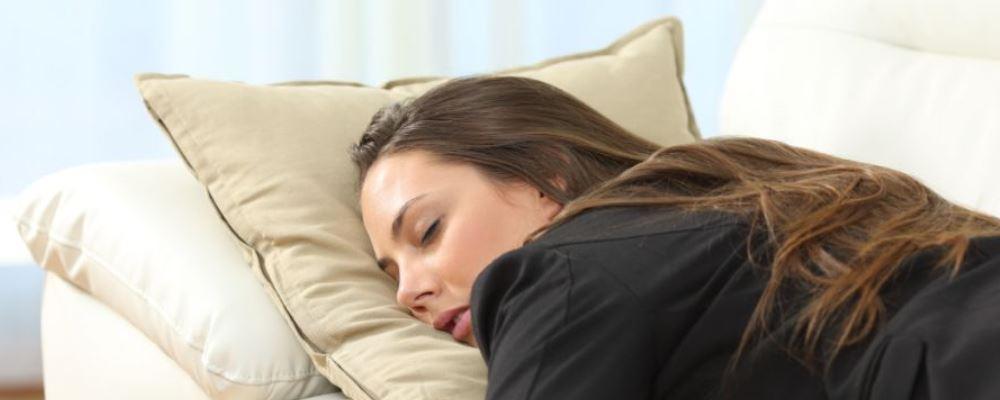失眠怎么办 失眠如何治疗 按摩哪里能治失眠