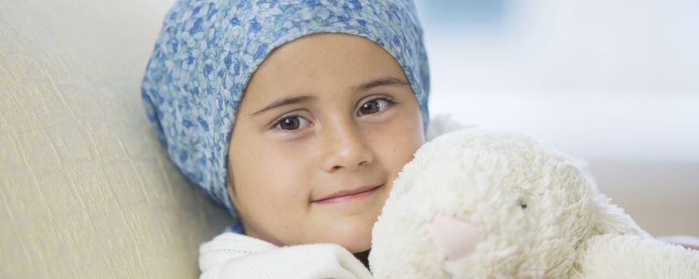 三岁少女头发脱光 怎么预防脱发 吃什么可以防脱发