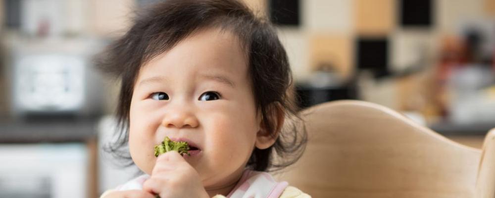 宝宝多大添加辅食比较合适 宝宝几个月可以吃水果 孩子几个月开始添加辅食