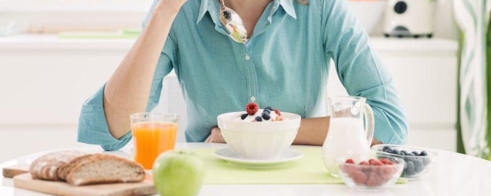 女人如何更容易吃东西和生孩子?坚持这些原则。