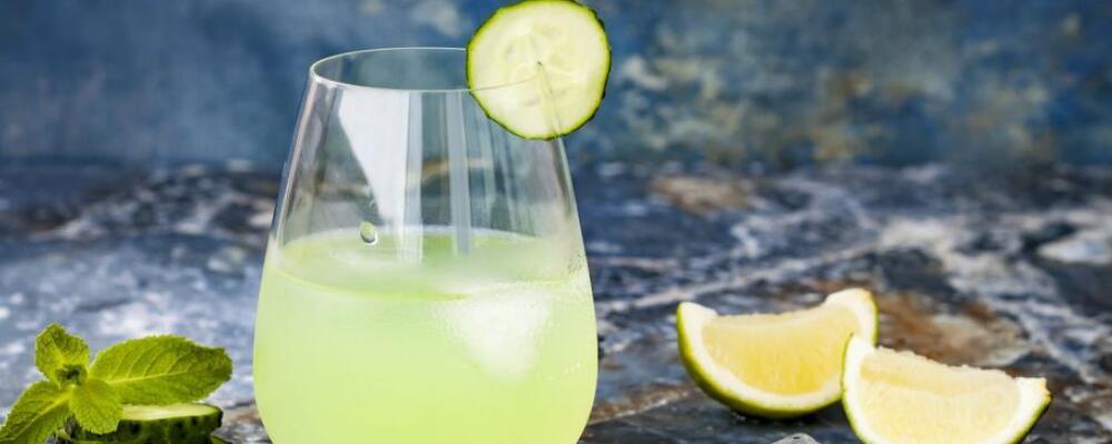 女性喝柠檬水的好处 柠檬水有什么功效 柠檬水正确泡法