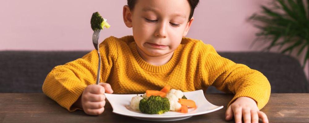 宝宝不爱吃饭怎么办 如何增加孩子食欲 宝宝不爱吃饭的解决方法