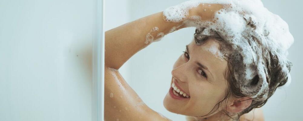 早上洗澡好还是晚上 晚上洗澡要注意哪些 什么时间不宜洗澡